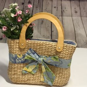 TREND ALERT 🔥🔥 Straw & Floral Shopper Tote